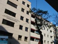 Iluminação Natal Matosinhos - Cabos pendurandos em edificios.